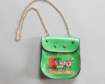 90's Mini Pennsylvania Dutch Country Vinyl Shoulder Purse in Green and Pink with Chain Link Strap Lancaster Horse and Carriage Quirky Gift