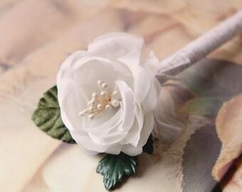 Wedding guestbook pen, Flower pen, Romantic decor, Whimsical guestbook pen, Guest book pen, White floral pen, Unique gift for her