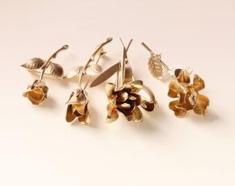 Gold flower pin, Vintage rose corsage, Golden flower boutonniere, Unique boutonniere, Groomsmen corsage, Boutonniere for groom, Gold wedding