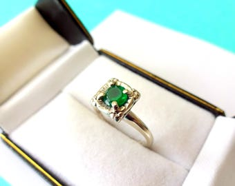 Vintage 14kt White Gold Emerald Engagement Ring with Solitaire Illusion Setting, Retro Era