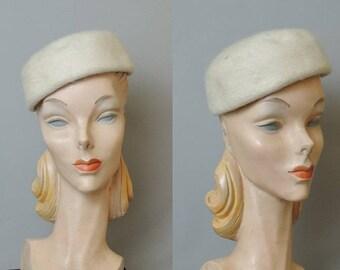 Vintage 1950s Hat Winter White Plush Felt with Rhinestones, 21 inch head, Valerie Modes