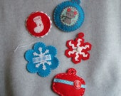 Embroidered Felt Christmas Ornaments Hand Stitched Tree Decoration Snowman Cat Stocking Ribbon Snowflake Red Turquoise Christmas Retro Decor