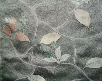 Kimono Silk Gray leaves