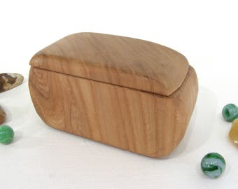 Butternut Heartwood Box, engagement ring box, ring bearer box, proposal box, small jewelry box, small gift box, guitar pick box, wood art