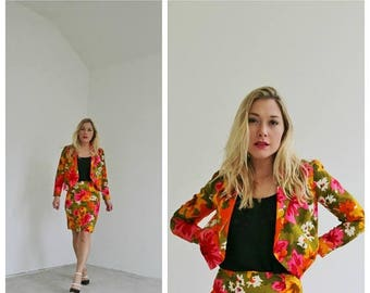 ON SALE 1960s Spring Waterflower Suit /// Size Extra Small