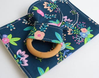 Baby Gift Set, Burp Cloth + Natural Wooden Teething Ring, Navy Floral, Baby Girl Shower Gift, Modern Baby, Expectant Mom Gift, Newborn Gift