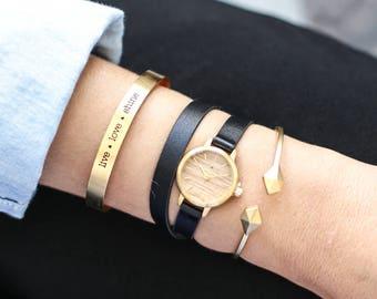 22 mm Watch in Oak and Black, Small Women's Wrist Watch, Wooden Wrist Watch, Leather Strap, Bracelet Watch, Leather Band Watch