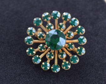 Emerald Green Rhinestone Starburst Brooch, Gold tone, Vintage (AH10)