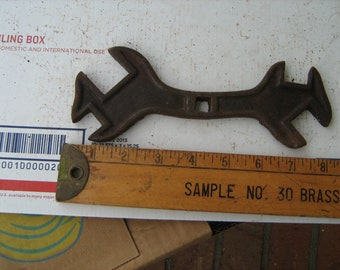 Antique  mulit wrench plow, buggy ,implement, combination, or cultivator wrench