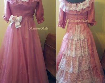 Victorian style Southern Belle dress gown Ballpink white lace rose crinoline