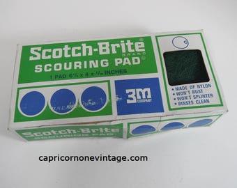 Vintage Scotch Brite Scouring Pad in Box 1970s Kitchen Decor Sponge Vintage 3M Vintage Packaging NOS Movie Prop Made in USA Nylon Scrubber