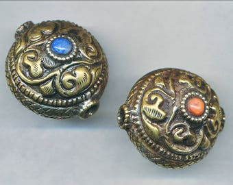 Beautiful HANDMADE NEPAL BEADS 20X25MM Two Colors, 1 Bead