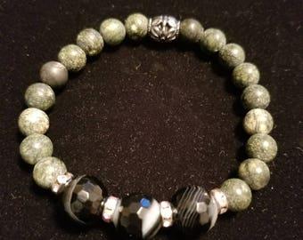 Black onyx serpentine bracelet