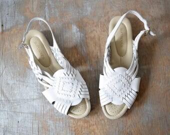 white woven leather sandals, vintage huarache sandals, boho slingback sandals, size 8.5 shoes