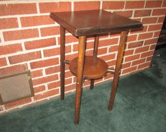 Vintage 1920s/30s Tiered Wood Lamp Table or Plant Stand