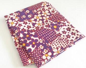 Vintage Fabric 60s Flower Yardage Floral Pattern