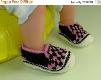40% OFF SALE Digital file pdf download knitting pattern- Baby Check Deck Shoes knitting pattern pdf download