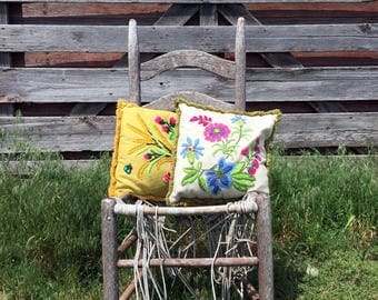 Vintage Pair Linen Crewel Embroidery Pillows Flowers Floral with Fringe 1970's
