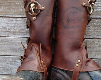 Primitive Oiled Brown Lined Leather Peaked Spats with Brass Raven Skull & Antiqued Distressed Ring