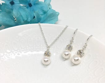 White Pearl and Crystal Bridesmaid Jewelry Set Sparkly Jewelry White Pearl and Crystal Bridesmaids Jewelry Rhinestone Hannah