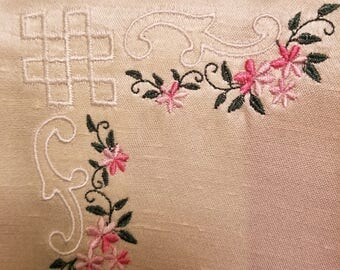 Set of 4 embroidered 8x8 blocks