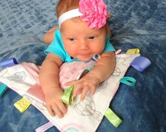 Sensory Lovey/ Ribbon Lovey/ Blanket Toy/ Lovey Blanket with Ribbons/ Sensory Toys/ Baby Gifts/ Baby Toys/ Newborn Blanket/ Newborn Toy