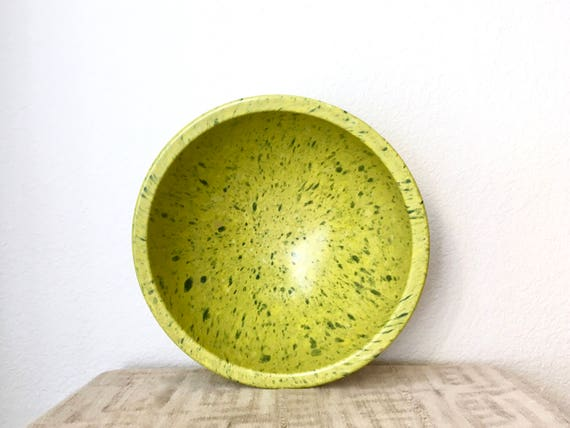 Vintage Large Texas Ware Melamine Mixing Bowl in Confetti Green
