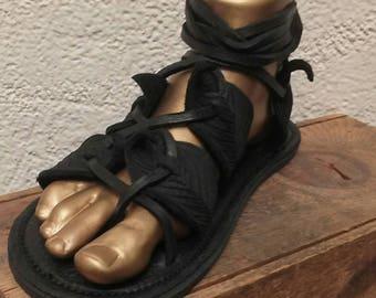 Unisex Black Gladiator Leaf Sandals / Handmade Leather Sandal Flats Lace Up Straps Greek Medieval Renaissance Renfest Fairy Faerie Pan
