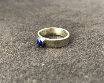 Sterling silver lapis lazuli ring size 6