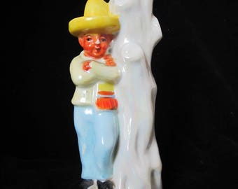 Made in Japan DIME STORE KITSCHY Bud Vase Man Wearing Sombrero & Serape No Chips
