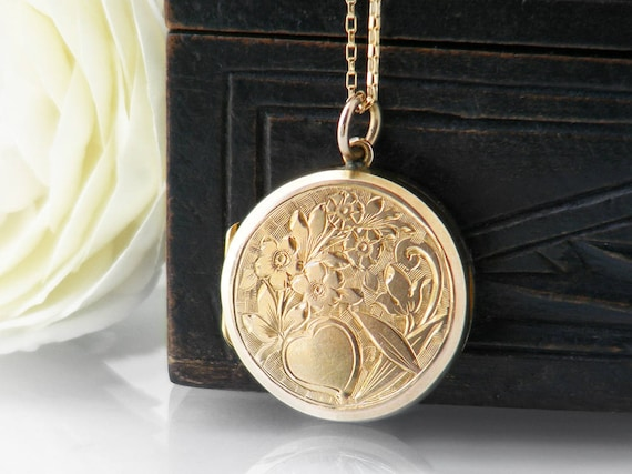 Antique Locket | Edwardian Gold Locket | 9ct Gold 'Back & Front' | Heart and Forget-Me-Not Flowers Design | Valentine's Day - 20 Inch Chain