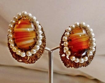 SALE Vintage Banded Agate and Faux Pearl Earrings.  Glass Brown Agate and Pearl Clip Earrings.
