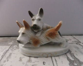 Vintage Porcelain Ceramic Pair of Scottish Terriers Figurine Scottie Dogs Japan White with Brown and Black Scotty