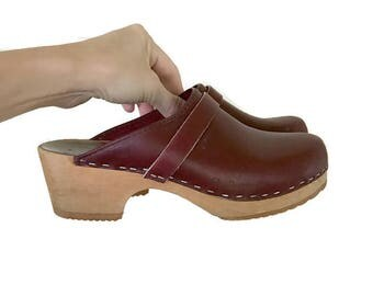 Vintage Swedish Leather Clogs / Size 8 / Made in Sweden
