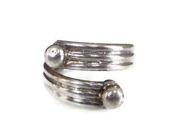 Mexican Sterling Modernist Bypass Ring - Mexico 925, Ribbed Design, Silver Ring, Sterling Silver, Vintage Jewelry, Size 7.5