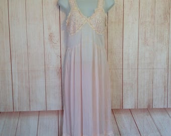 Vintage 50s Mojud Pale Pink Night Gown and Robe Set Lingerie Ladies 32 Embroidered