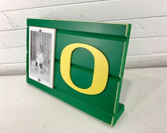 "University of Oregon picture frame holds 4""x6"" photo decor stands alone/Ducks"
