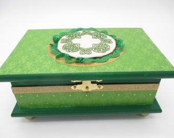 Irish Keepsake Box - Wooden Keepsake Box- Wooden Memory Box- Green -Trinket Box -Celtic Knot