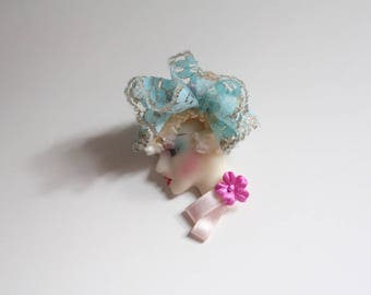 New Wave Fashion Lady Silhouette Brooch