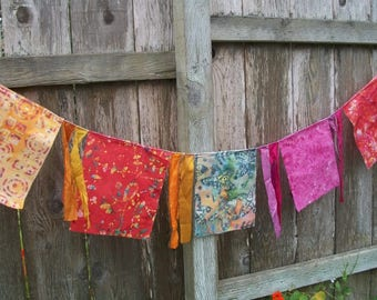 Garden Flag Banner Decoration 5 Feet Inside/Outside Colorful Batik Birthday Party Wall Decoration Fabric Banner Rainbow Flags