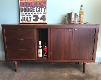 MID CENTURY MODERN 3 Drawer Credenza or Media Stand (Los Angeles)