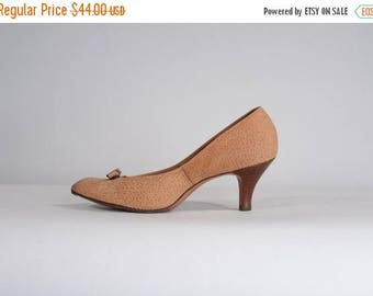 HALF PRICE SALE Vintage 1960s Cork Suede Shoes - Tan Life Stride 1970s - Size 8 N or 7