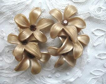 Vintage Large Plastic & Rhinestone Flower Earrings ~ Taupe Flowers ~ Clip On