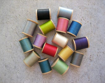 16 Wooden Spools of Vintage Thread