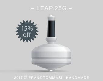 LEAP 25G White – Spin top with  dual ceramic tip and rubber grip