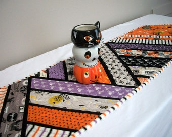 Halloween Table Runner Quilted FREE US Shipping Quiltsy Handmade Spiders Bats Black Orange Purple