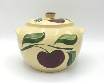 Watt Pottery, Bean Pot, Three Leaf Apple, #76, Oven Ware, Made in USA, Rare Vintage