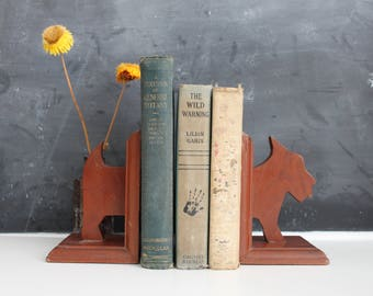 Pair of Vintage Scottie Dog Bookends | Scottish Terrier Book Ends |  Vintage Wooden Bookends | Dog Bookends | Vintage Book End