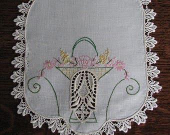 Vintage Doilies, 2 Vintage White Doilies, Embroidered Doily, Round Doily, Rectangular Doily