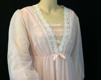 Vintage 1970's Pink Lacy Long Peignoir Robe// Negligee Pinup Robe Ladies Medium